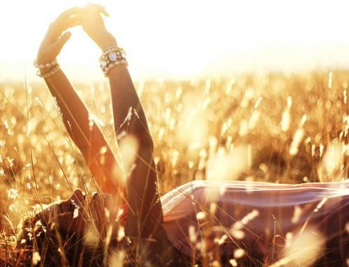 « Aimer d'un amour humain, c'est pouvoir passer de l'amour à la haine, tandis que l'amour divin est immuable. » dans Citations jaune