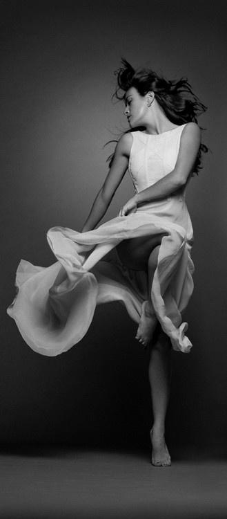 « La danse est une poésie muette. »  dance